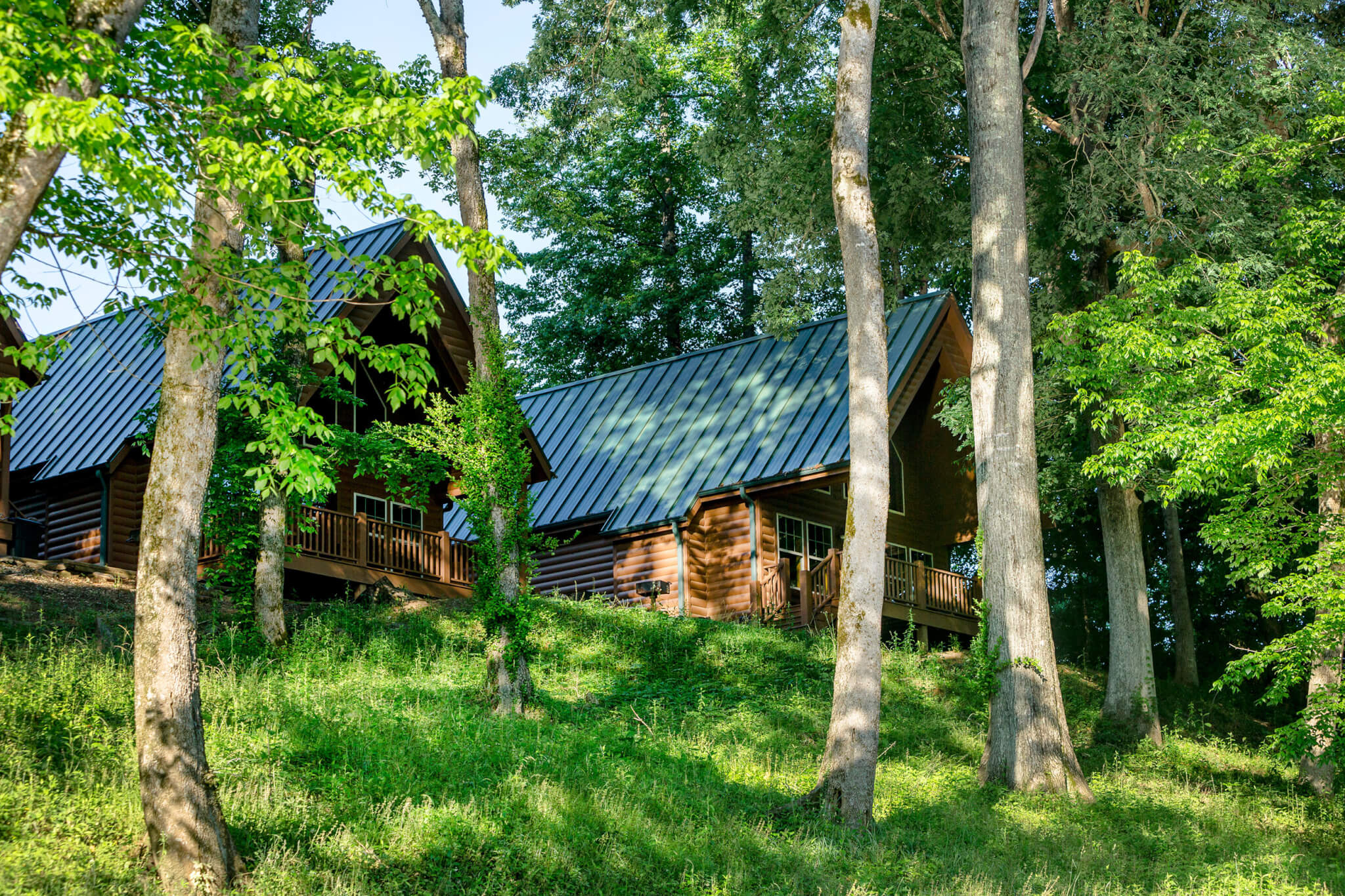 in rock weekend pin arkansas cabins river getaway cabin great calico white on the
